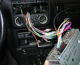 آموزش نصب ضبط ماشین